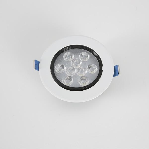 LED 4인치 파밍 일체형 매입등 9W